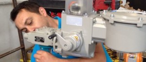 Valves package - valveIT installing electric motor on valve