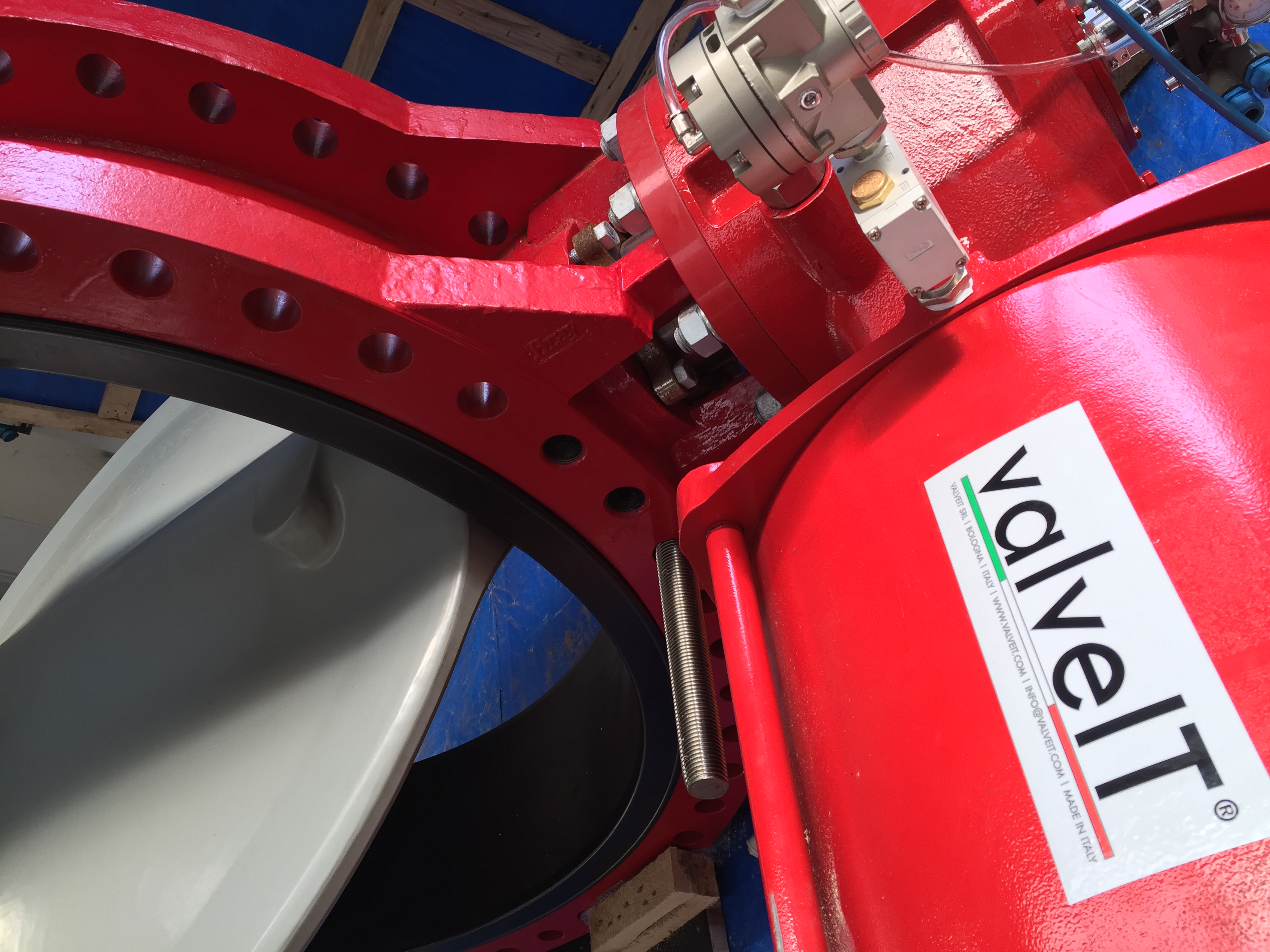 BUTTERFLY VALVES WITH PNEUMATIC ACTUATOR FAIL SAFE